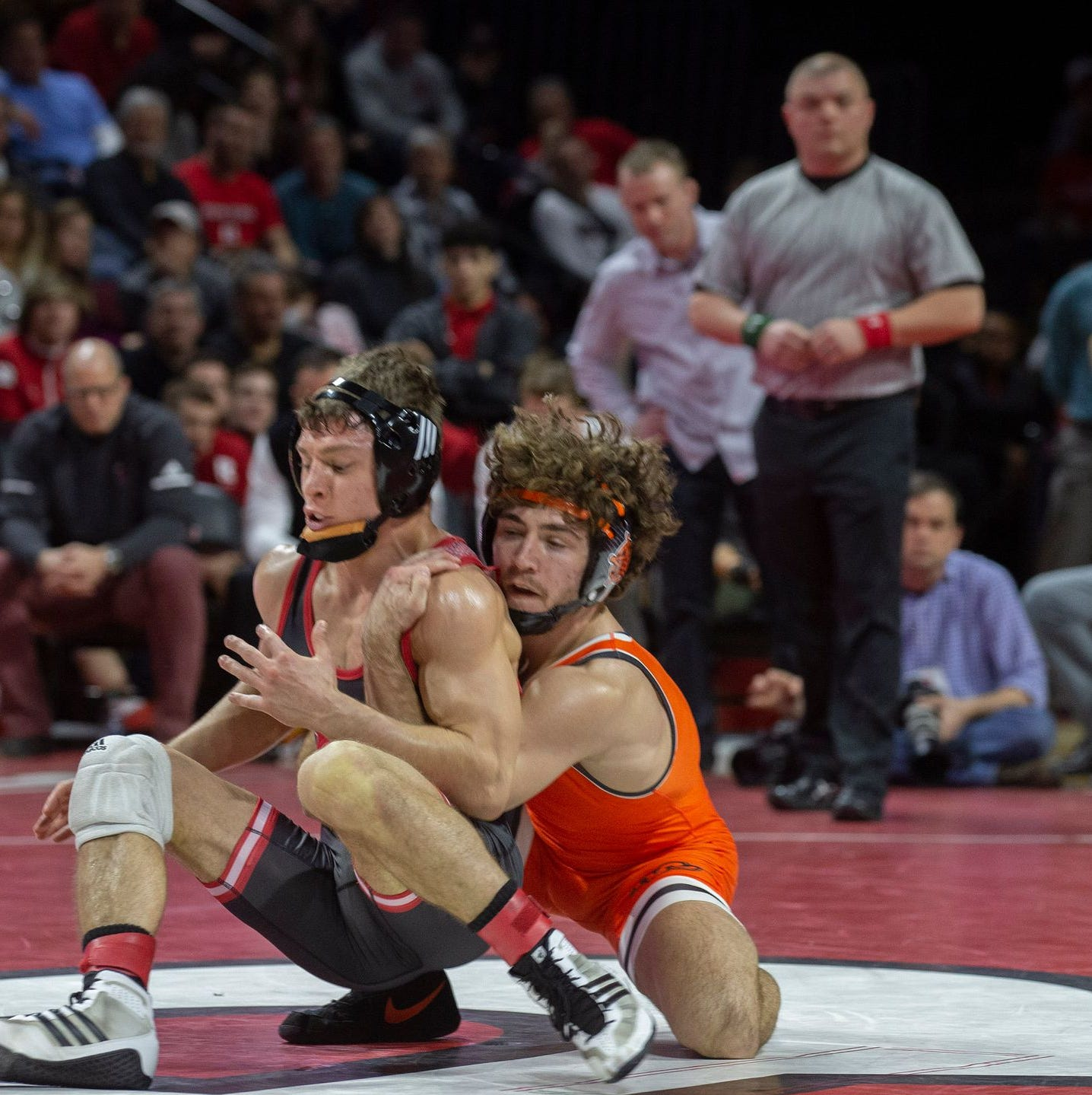 Rutgers wrestling: Nick Suriano vs. Stevan Micic highlights No. 4 Michigan visiting