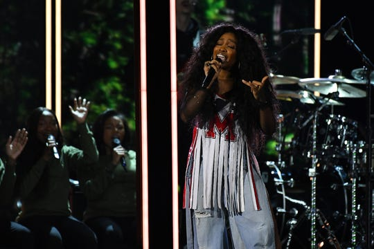 "SZA performs ""Broken Clocks"" during the 60th Annual Grammy Awards at Madison Square Garden."