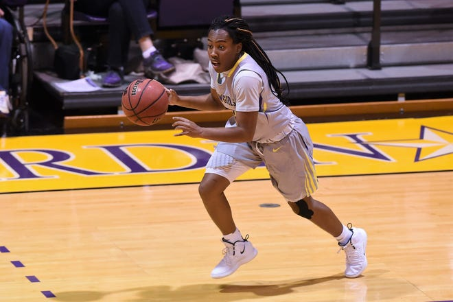 Hardin-Simmons guard Taylor Gaffney (10) takes the ball past midcourt early in the season. Gaffney set a new school record with 13 assists in Thursday's win at Sul Ross State.