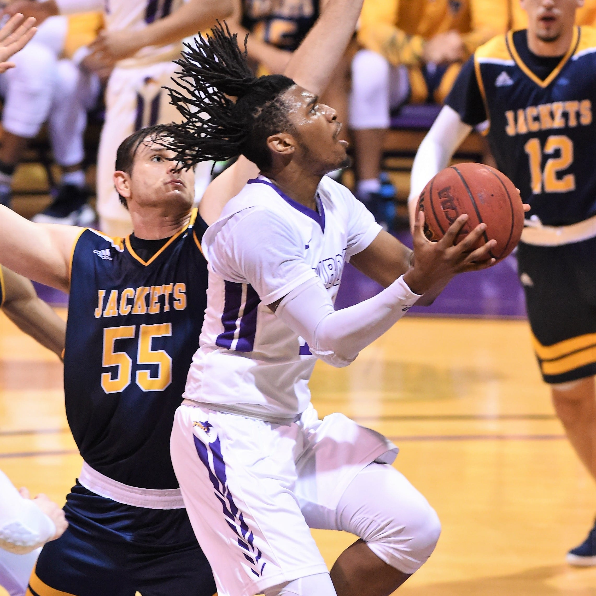 Freshman Steven Quinn already proving himself for Hardin-Simmons men's basketball