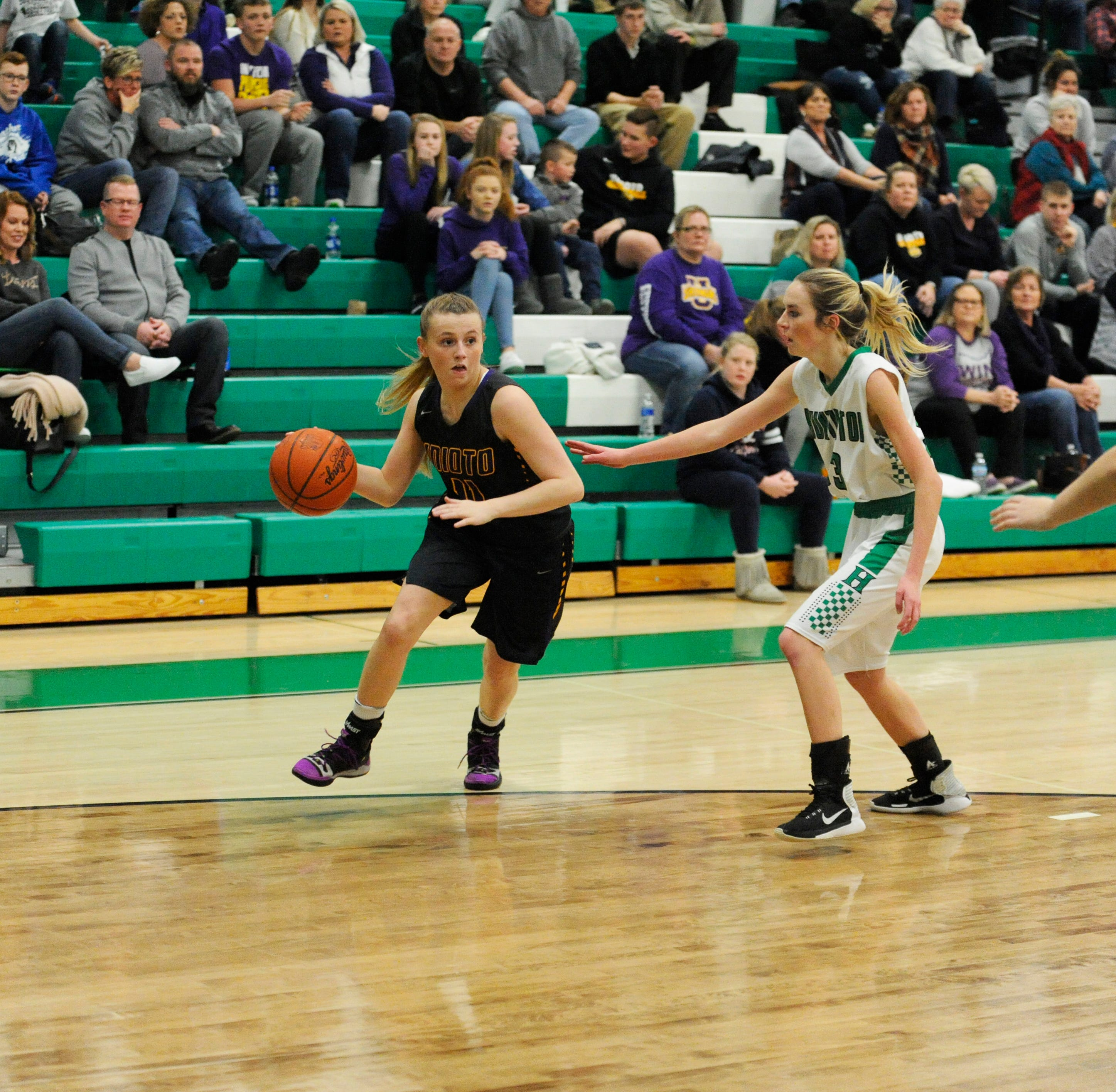 OHIO HS GIRLS BASKETBALL: Unioto stays undefeated in SVC with 55-33 win over Huntington