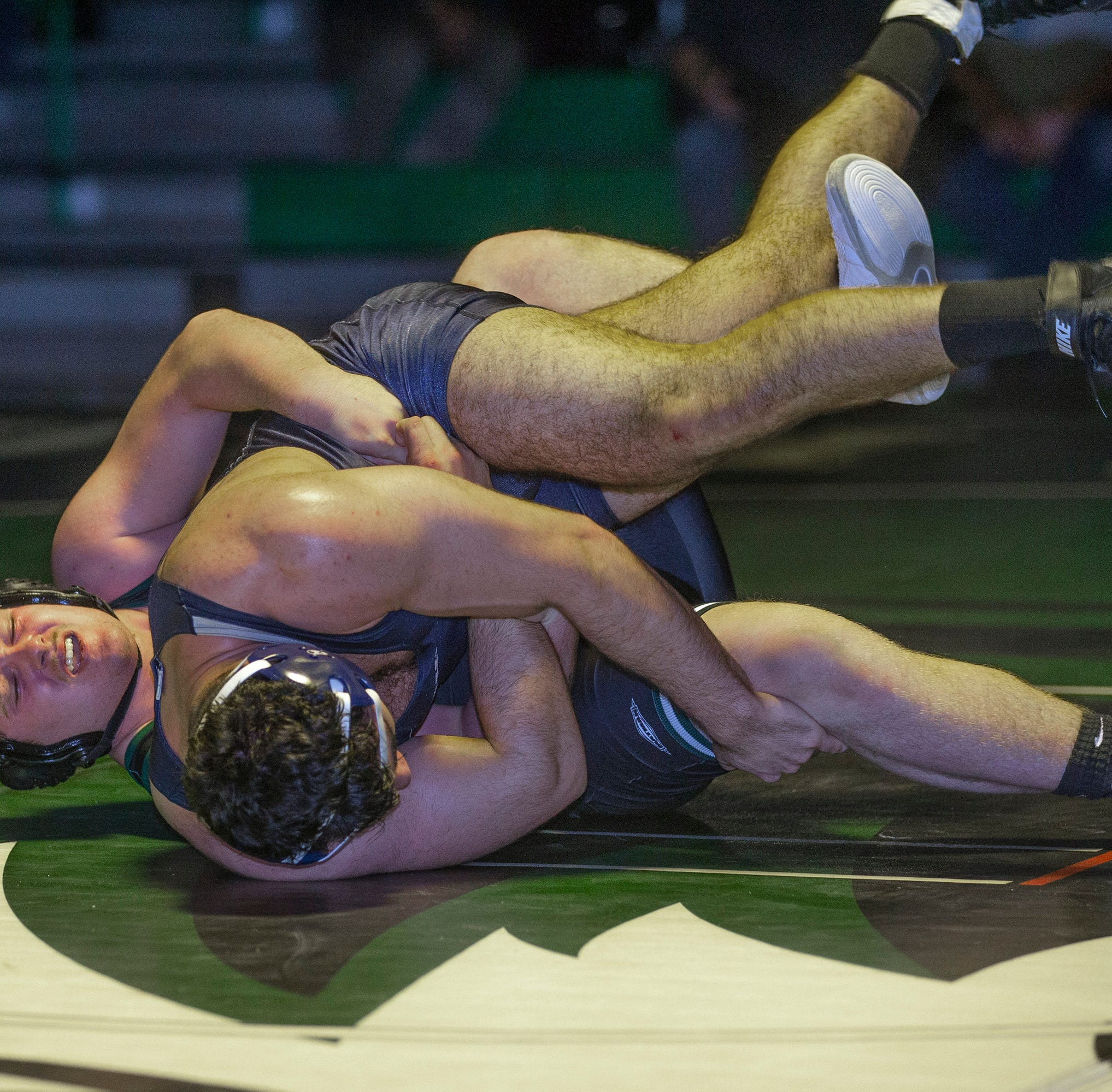 NJ wrestling: Howell holds on for 30-28 thriller over South Plainfield