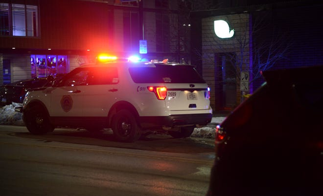 Des Moines police investigate a shooting.