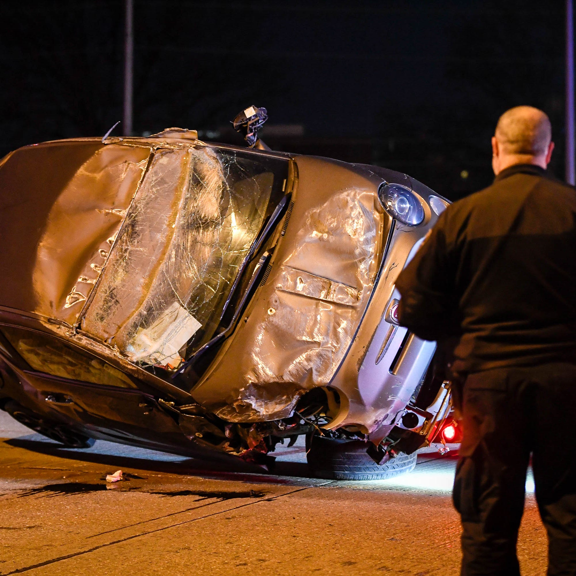 Lloyd Expressway reopened after crash