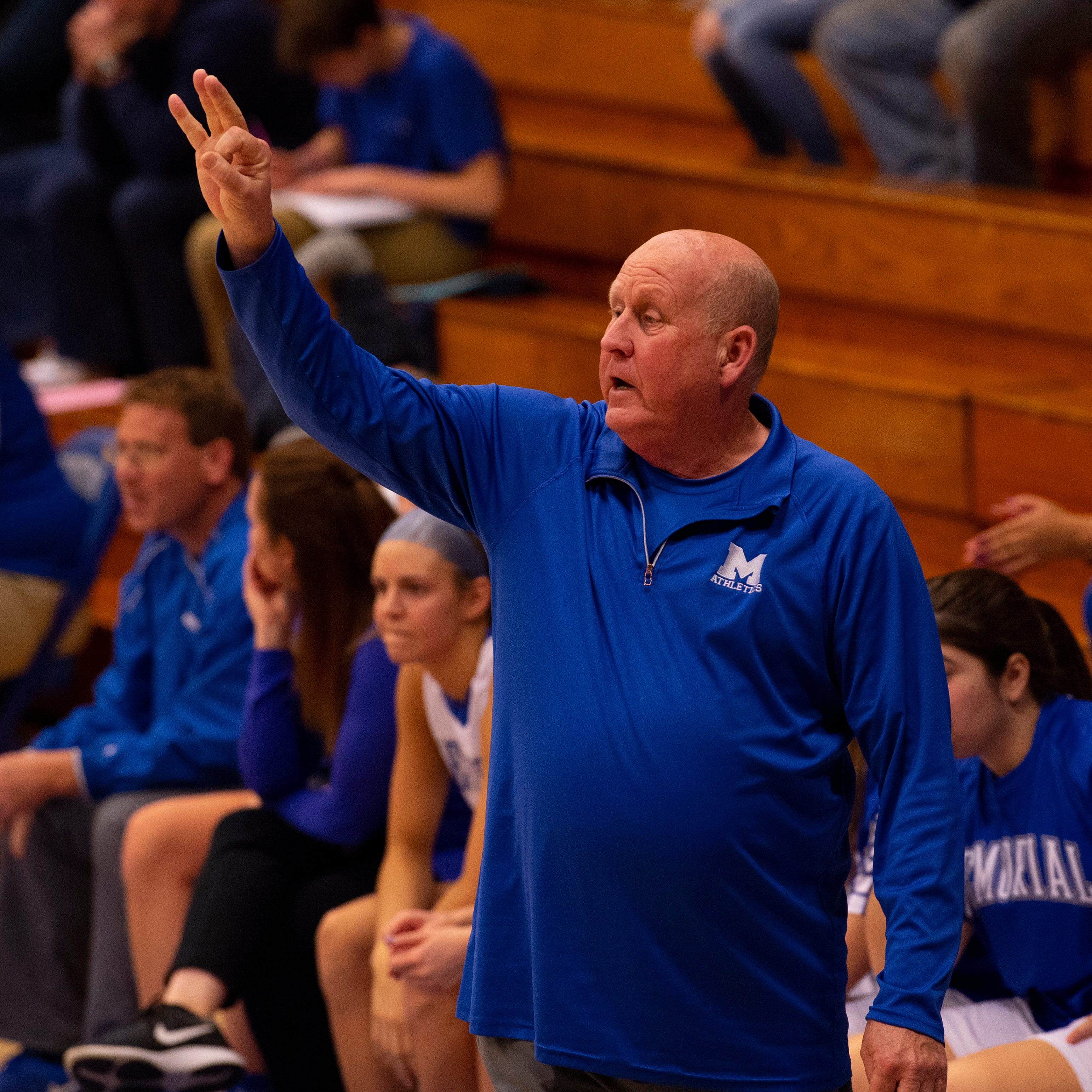 Bruce Dockery, who led Memorial girls' basketball teams to 500 wins, is retiring
