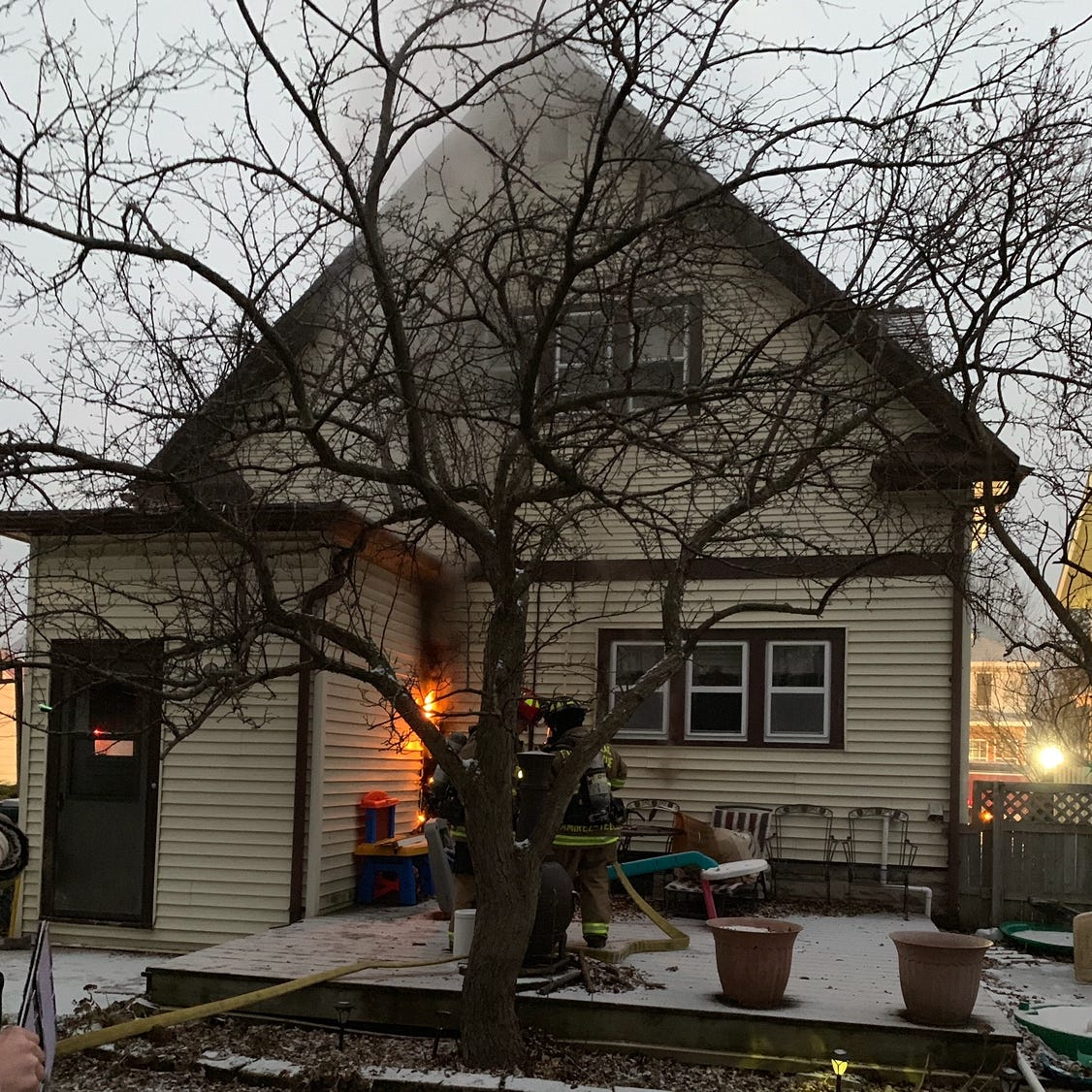 Electrical fire sparks flames on Fond du Lac home's exterior
