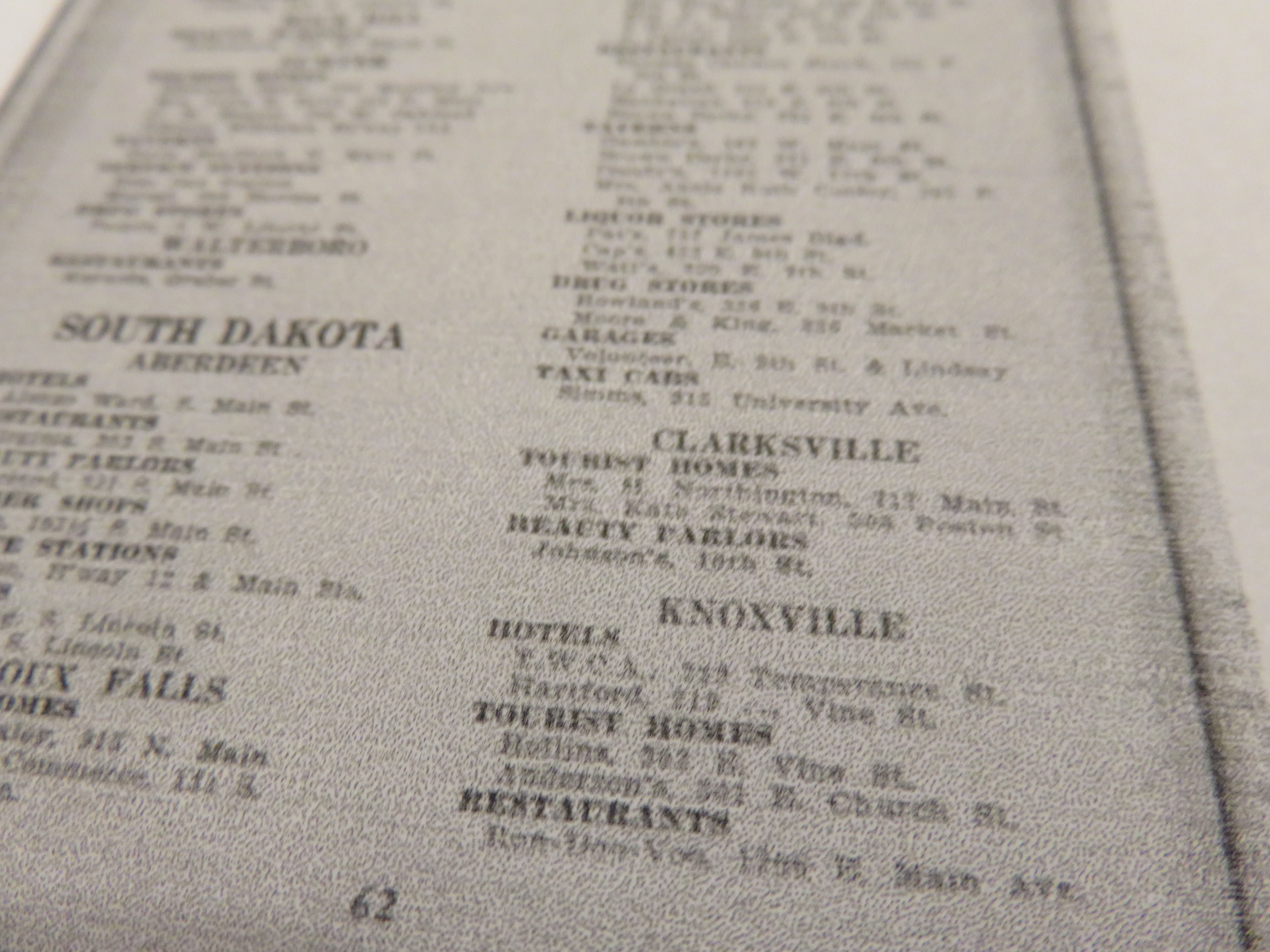 "The page from the 1955 ""Green Book"" that references Knoxville businesses."