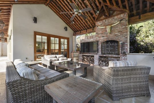 There is  a large outdoor living area for family enjoyment.