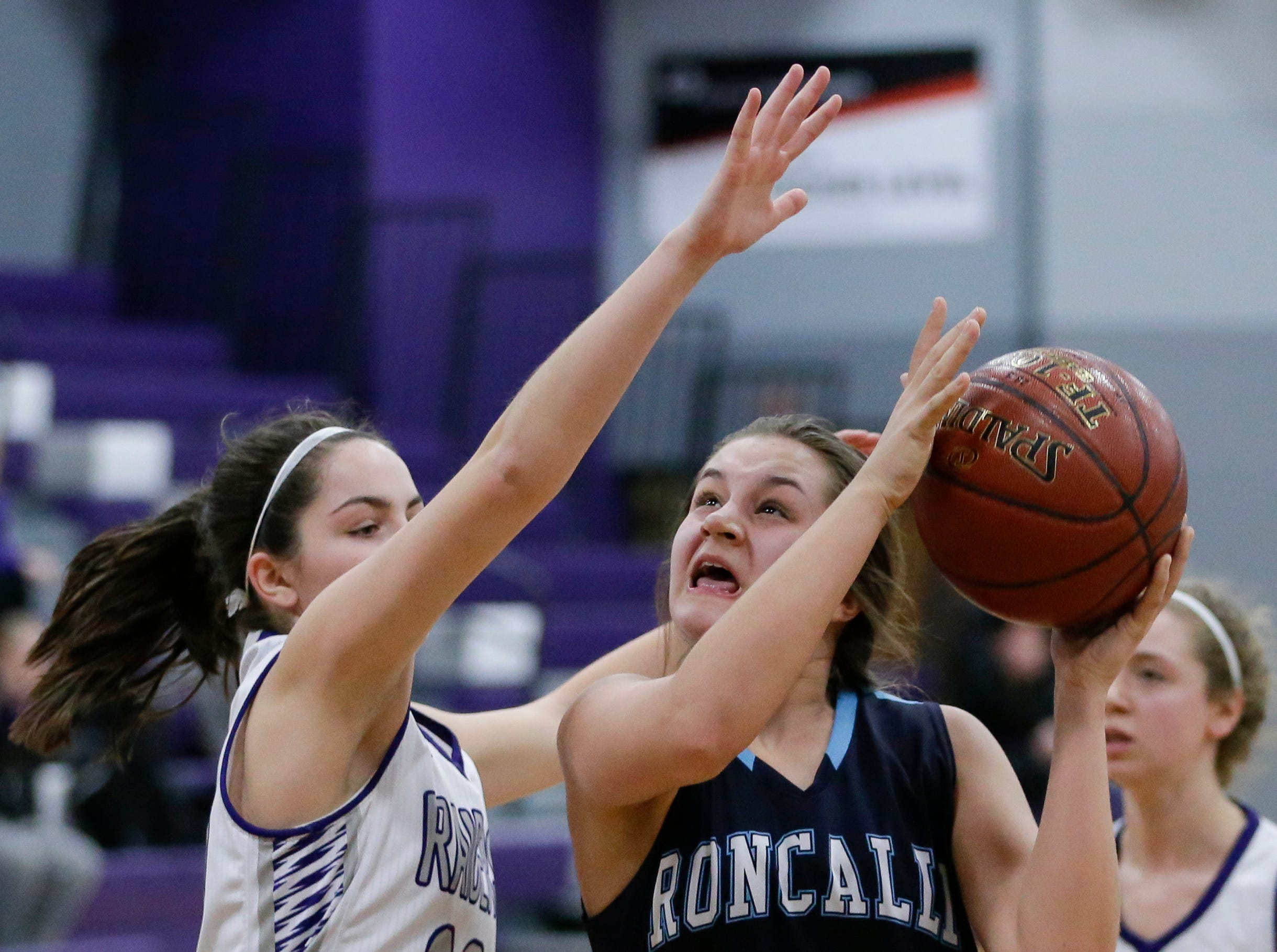Roncalli's Lily Nelson (10) goes to the basket against Kiel during an EWC matchup at Kiel High School Thursday, January 17, 2019, in Kiel, Wis. Joshua Clark/USA TODAY NETWORK-Wisconsin