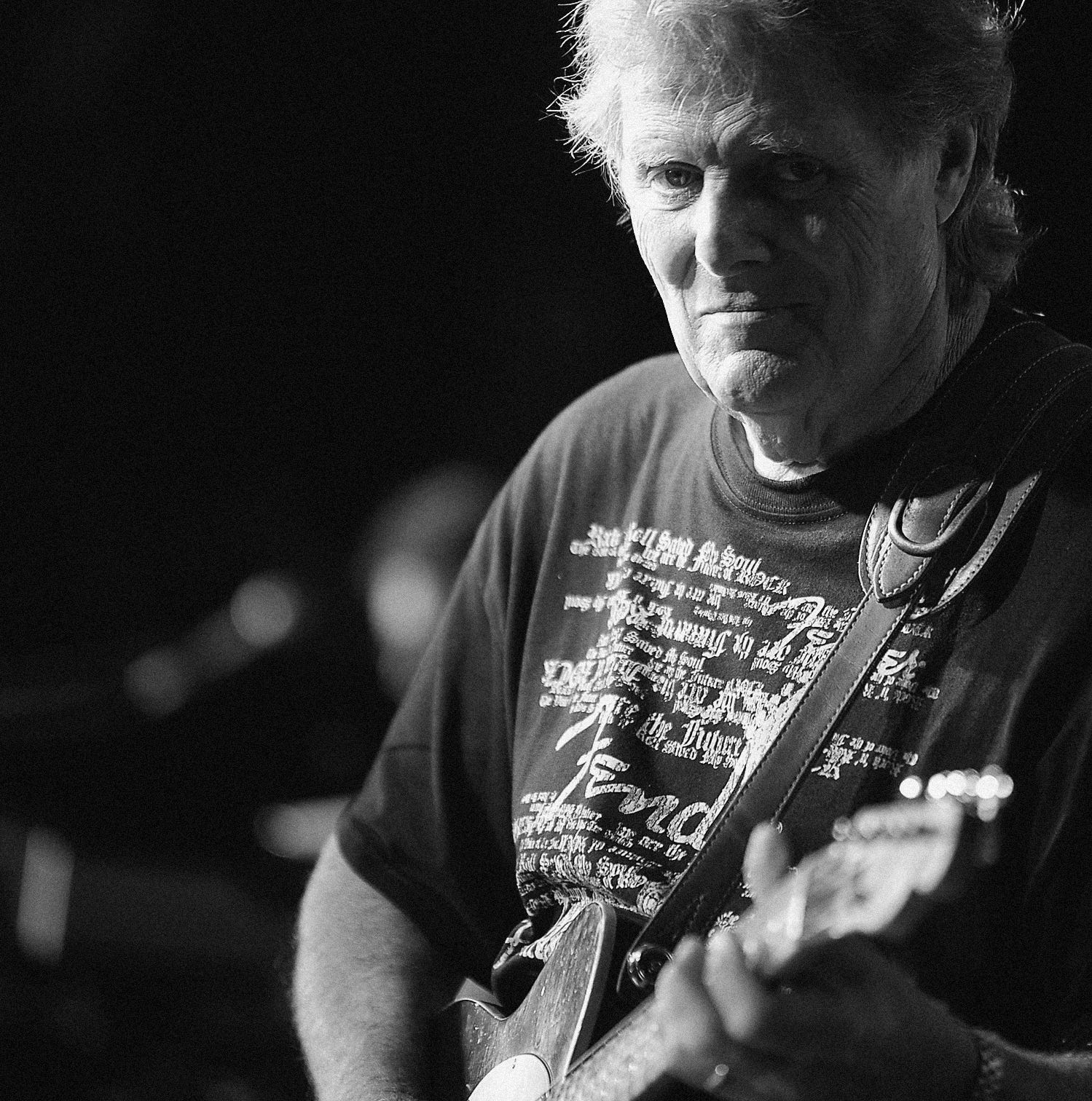 Legendary guitarist Reggie Young — key sideman to Elvis, Waylon, Willie and more — dead at age 82