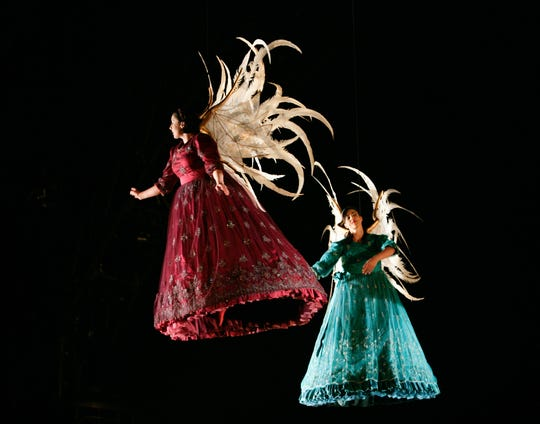 "Hark, the ""Corteo"" angels swing when Cirque du Soleil comes to FedExForum."