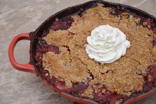 This mixed-berry crisp has a whole-grain topping.