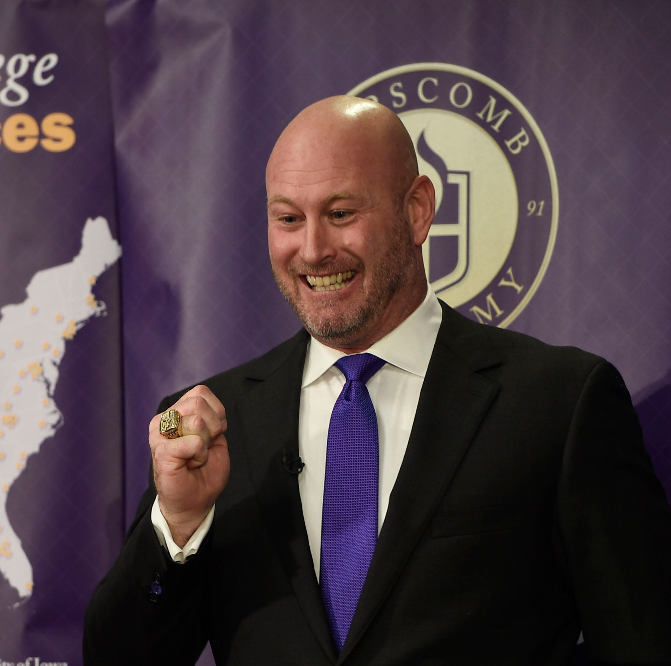 Former NFL quarterback Trent Dilfer named next Lipscomb Academy football coach