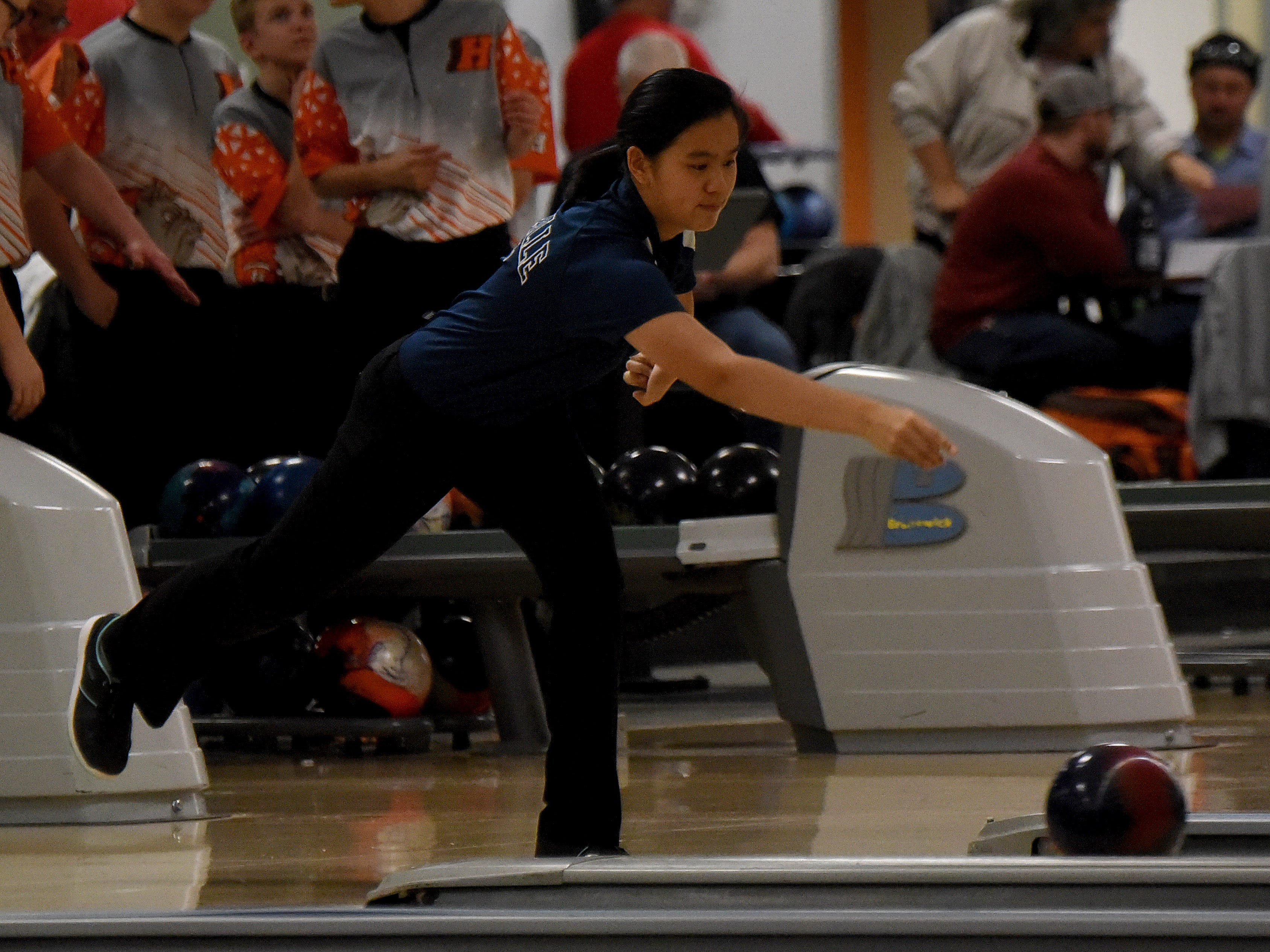 Heath and Granville bowling compete in an LCL match onThursday, Jan. 17, 2019, at Park Lanes in Heath.