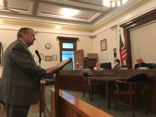 Tom Egan, a financial monitor from the state Education Department, speaks to the Lyndhurst Township Commission. 1/17/19.