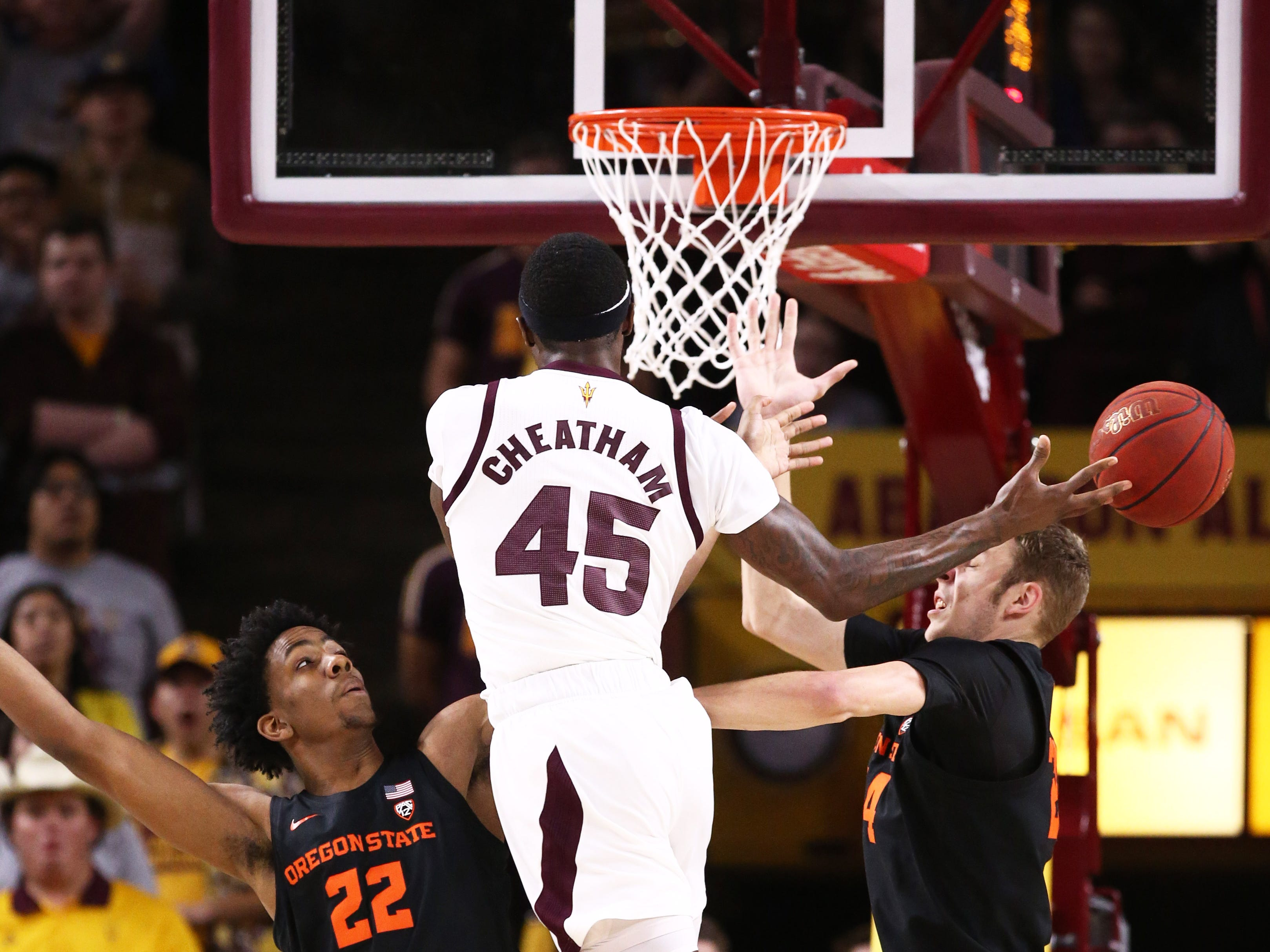 Arizona State Sun Devils forward Zylan Cheatham passes the ball against the Oregon State Beavers in the first half on Jan. 17 at Wells Fargo Arena in Tempe.