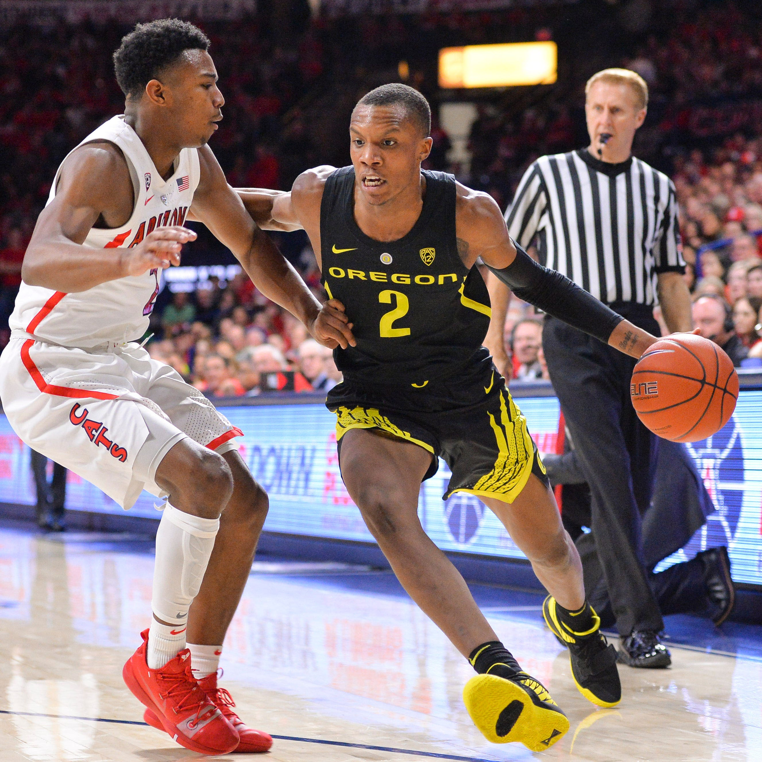 Oregon Ducks hand Arizona Wildcats first Pac-12 loss, 59-54