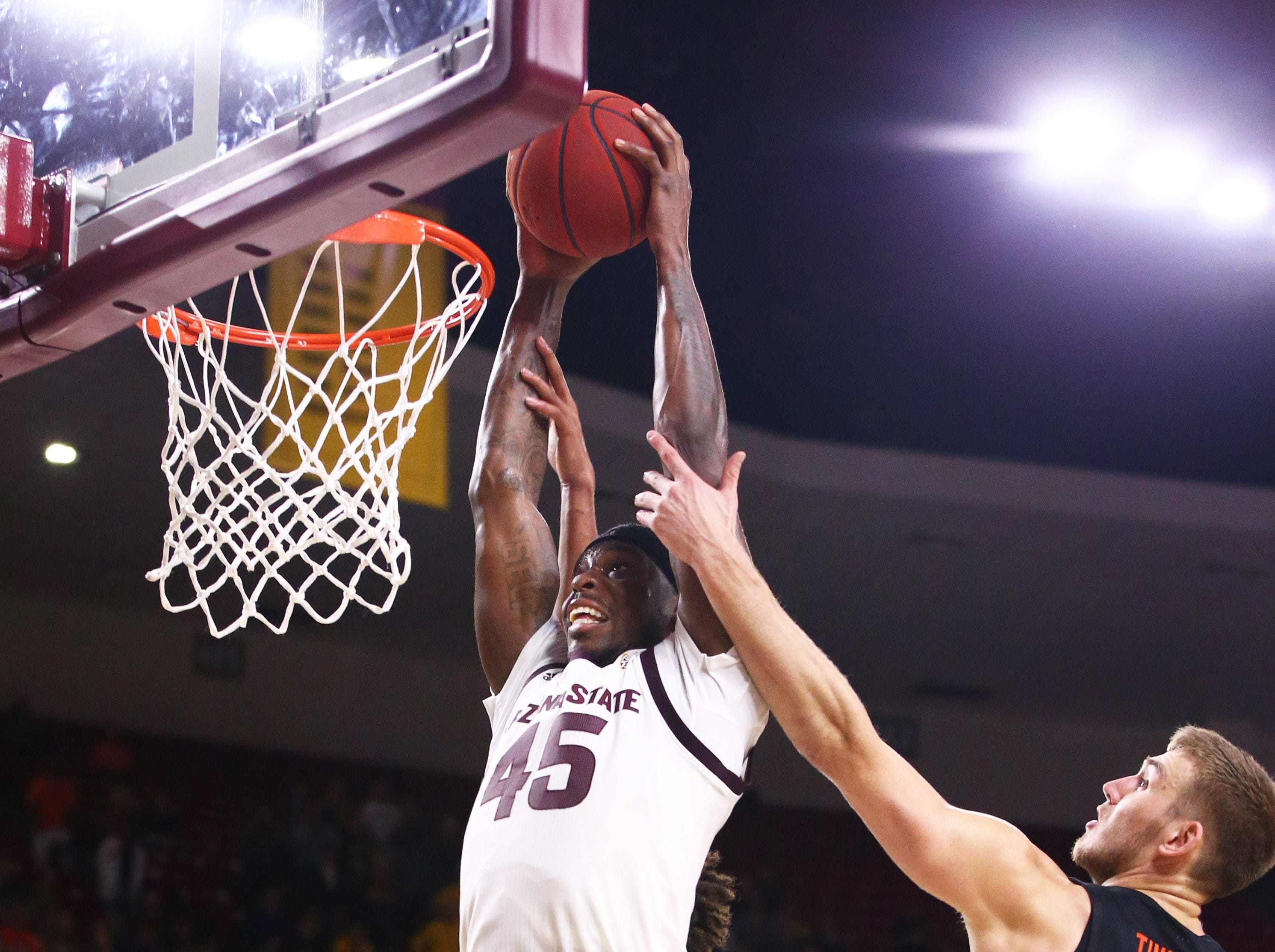 Arizona State Sun Devils forward Zylan Cheatham slam-dunks the ball against the Oregon State Beavers in the second half on Jan. 17 at Wells Fargo Arena in Tempe.