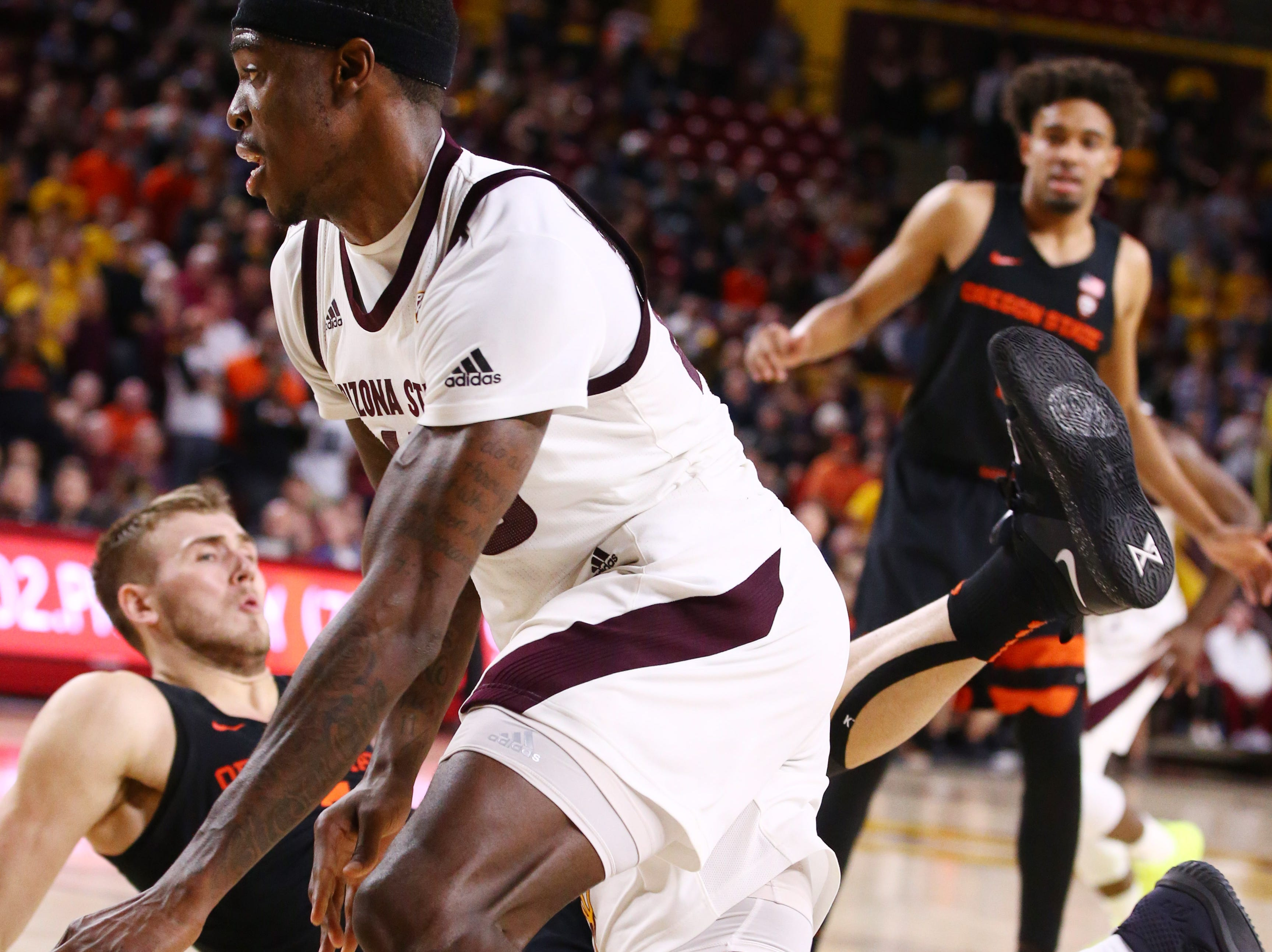 Arizona State Sun Devils forward Zylan Cheatham drives to the basket against the Oregon State Beavers in the second half on Jan. 17 at Wells Fargo Arena in Tempe.