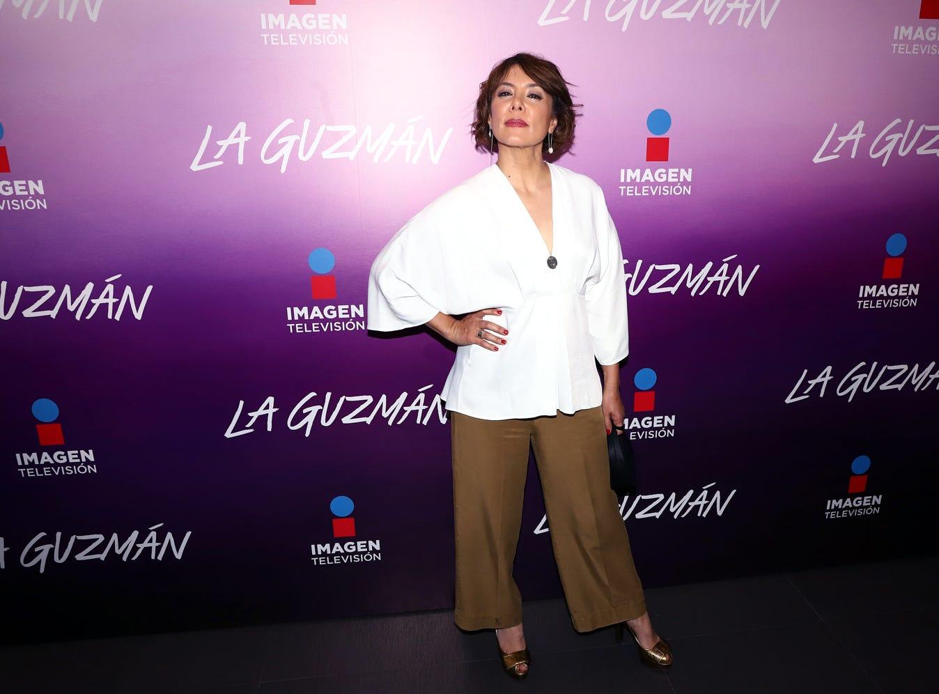 Carmen Madrid disfrutó del preestreno del primer capítulo de la serie La Guzmán. La producción, que se estrenará el lunes a las 21:30 horas por Imagen Televisión, retrata la historia de la hija de Silvia Pinal y Enrique Guzmán.