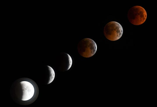 Un combo de fotos muestran la transición de un eclipse a una luna de sangre.
