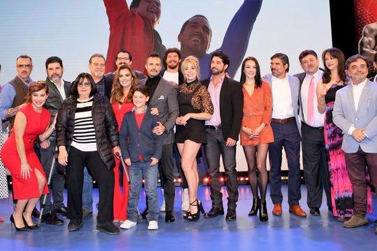 """Elenco de """"Ringo, la pelea de su vida"""", producida por Lucero Suárez."""