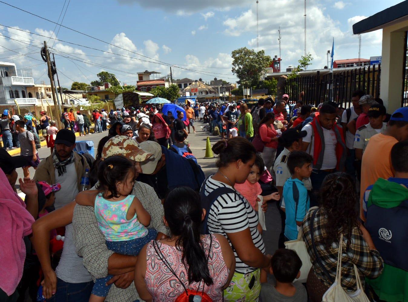 El INM detalló que se han registrado en la frontera sur a 969 adultos y 145 menores de edad del nuevo éxodo centroamericano.