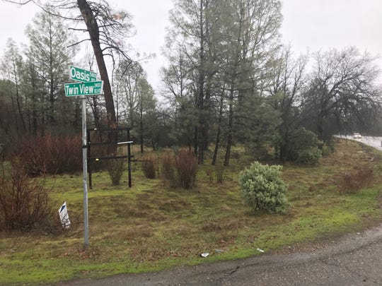 The owner of freeway frontage property off Oasis Road in north Redding is moving forward with plans to develop a shopping center there.