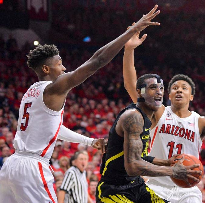 Oregon Ducks basketball: Kenny Wooten returns with mask in victory over Arizona