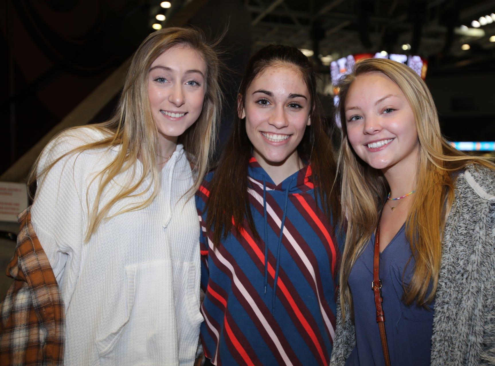 Belle Nau, Lauren Zolfaghri, and Olyvia Brinkmann