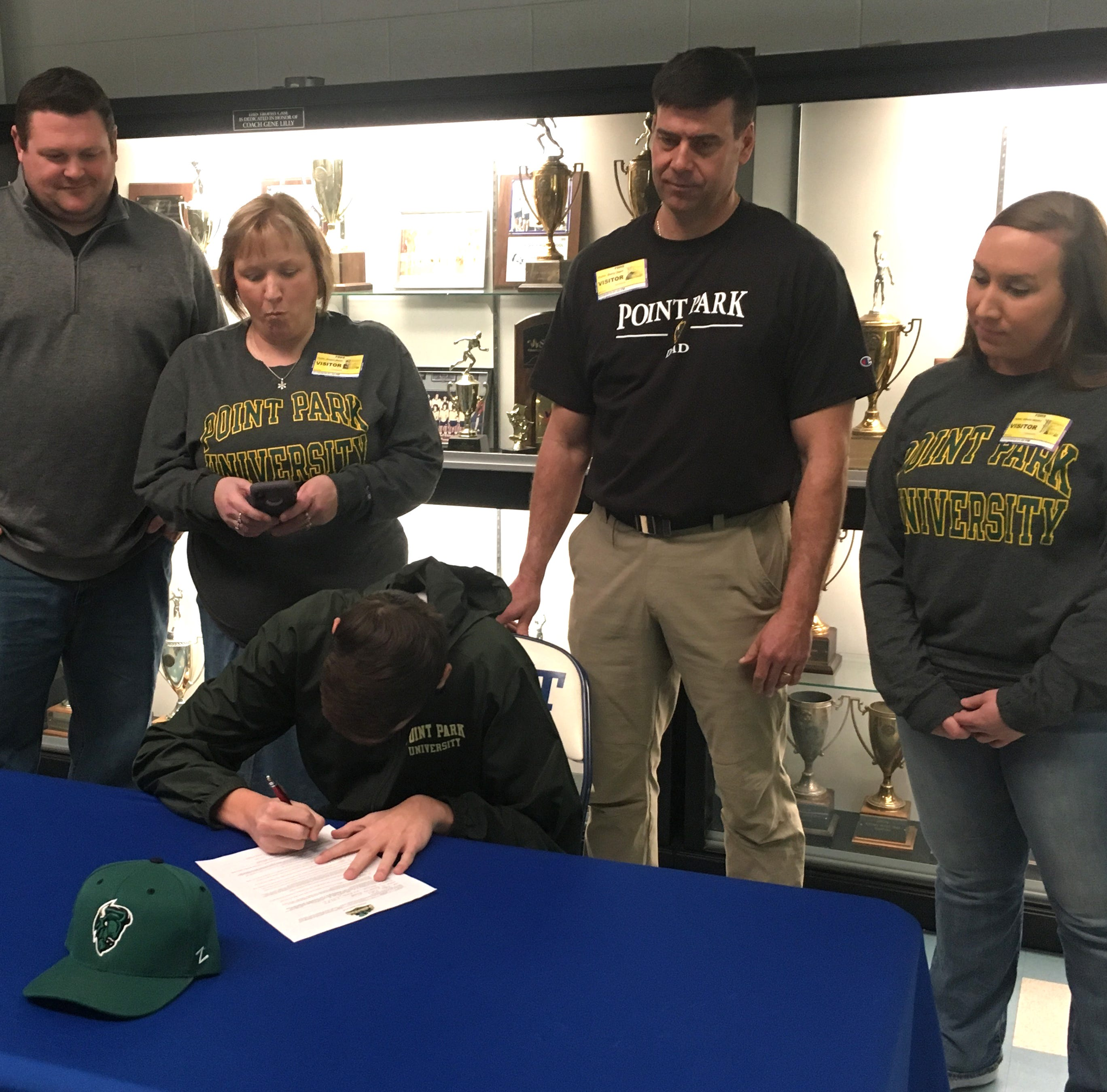 Fort Defiance's Pullin signs with Point Park