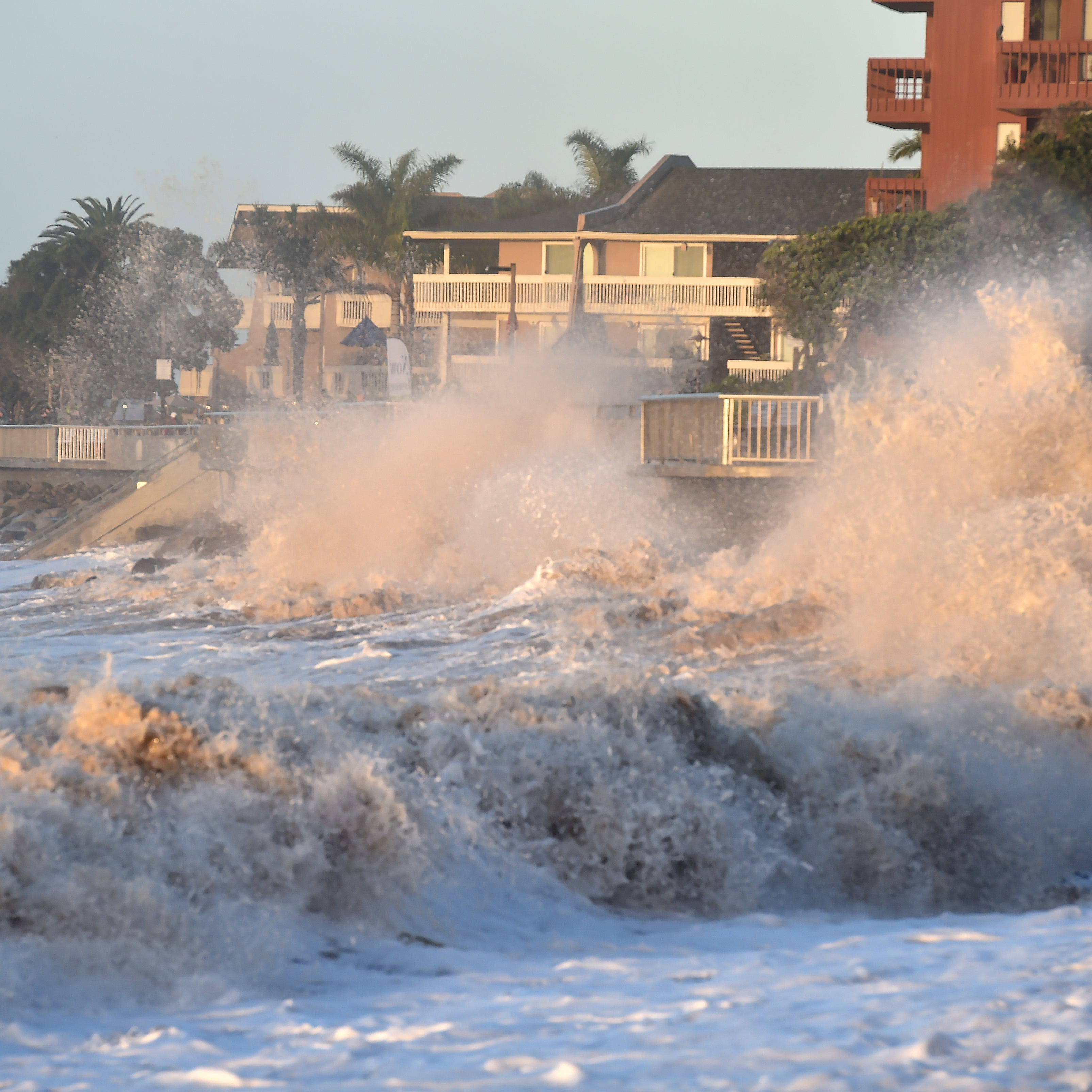 High-surf hazards spur alert by weather agency