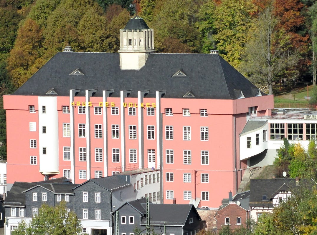 "The ""Haus des Volkes"" in Probstzella is the largest and most comprehensive Bauhaus monument complex in Thuringia, Germany. It represents part of the history of the Bauhaus from 1919 to 1933."