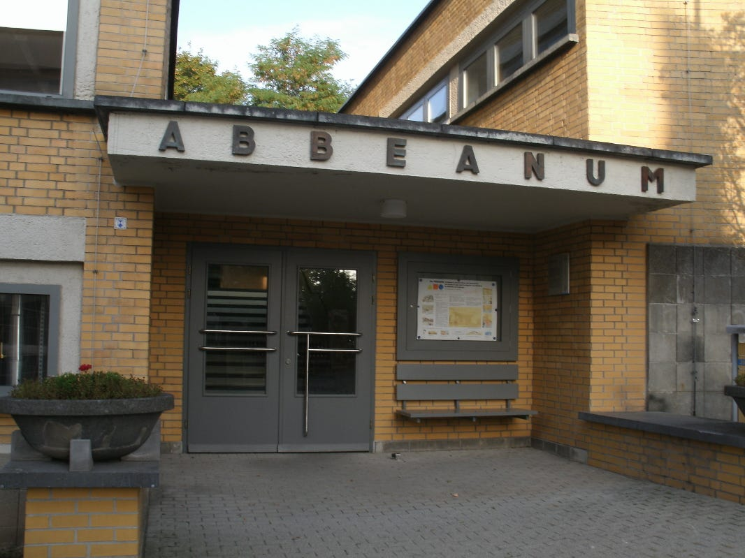 The Abbeanum on Fröbelstieg in Jena, Germany, was built in 1930 under the direction of Ernst Neufert, a co-founder of the Bauhaus style in Weimar. It is used as a university building now.