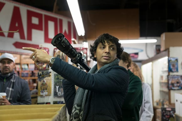 """Filmmaker M. Night Shymalan's cameo in """"Glass"""" connects to both """"Unbreakable"""" and """"Split."""""""