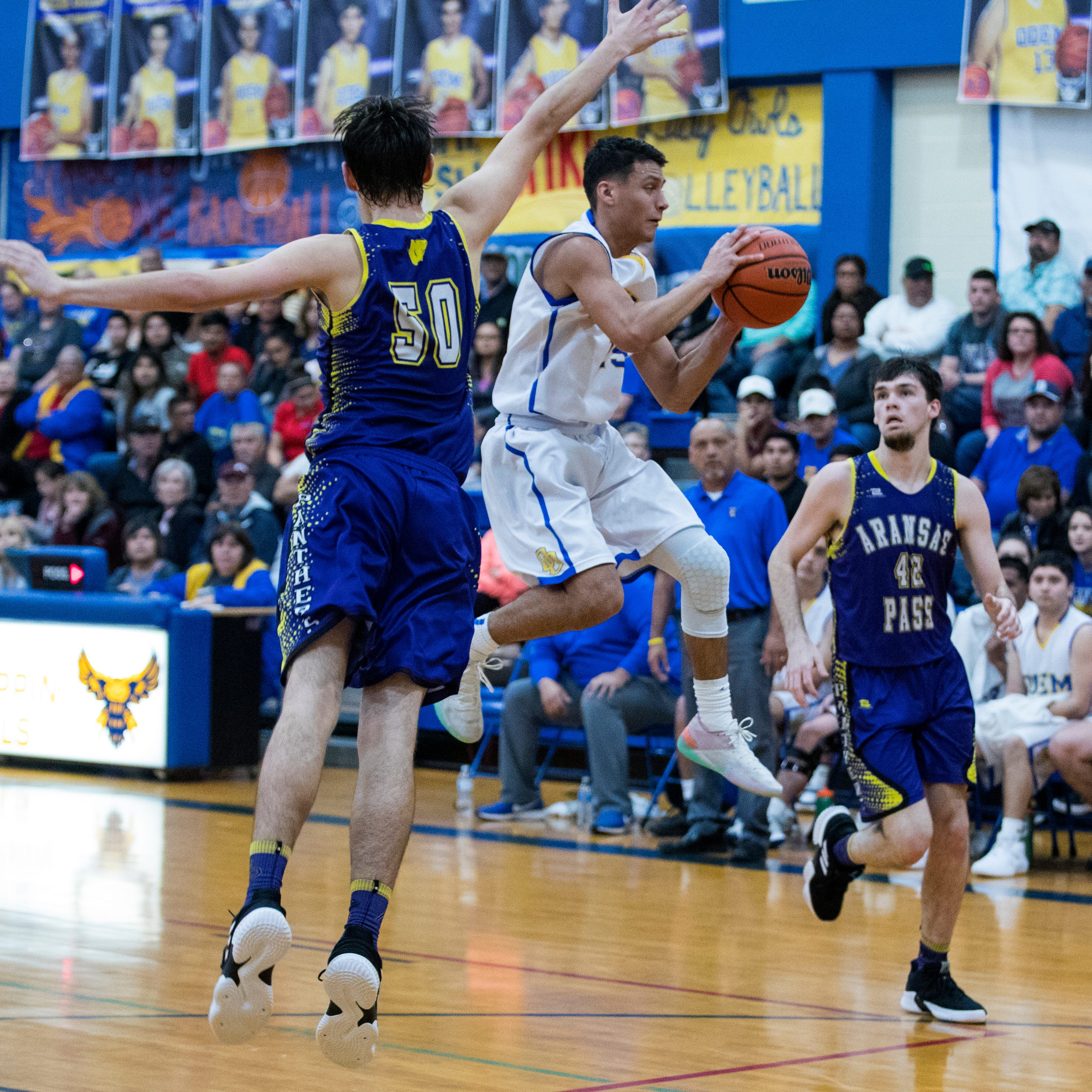 Odem takes down Aransas Pass in District 29-3A first-place battle of unbeaten teams