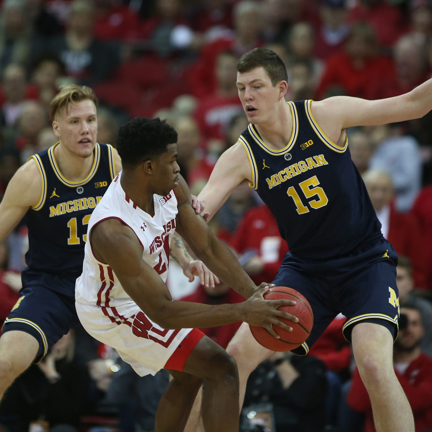Michigan basketball upset by Wisconsin, 64-54, for 1st loss of season