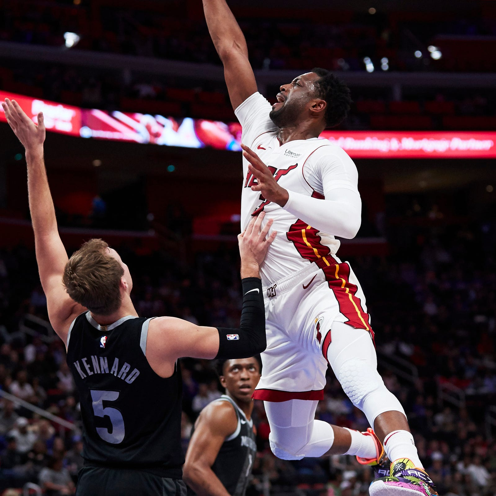 Detroit Pistons fend off Heat, 98-93, in Dwyane Wade's final visit