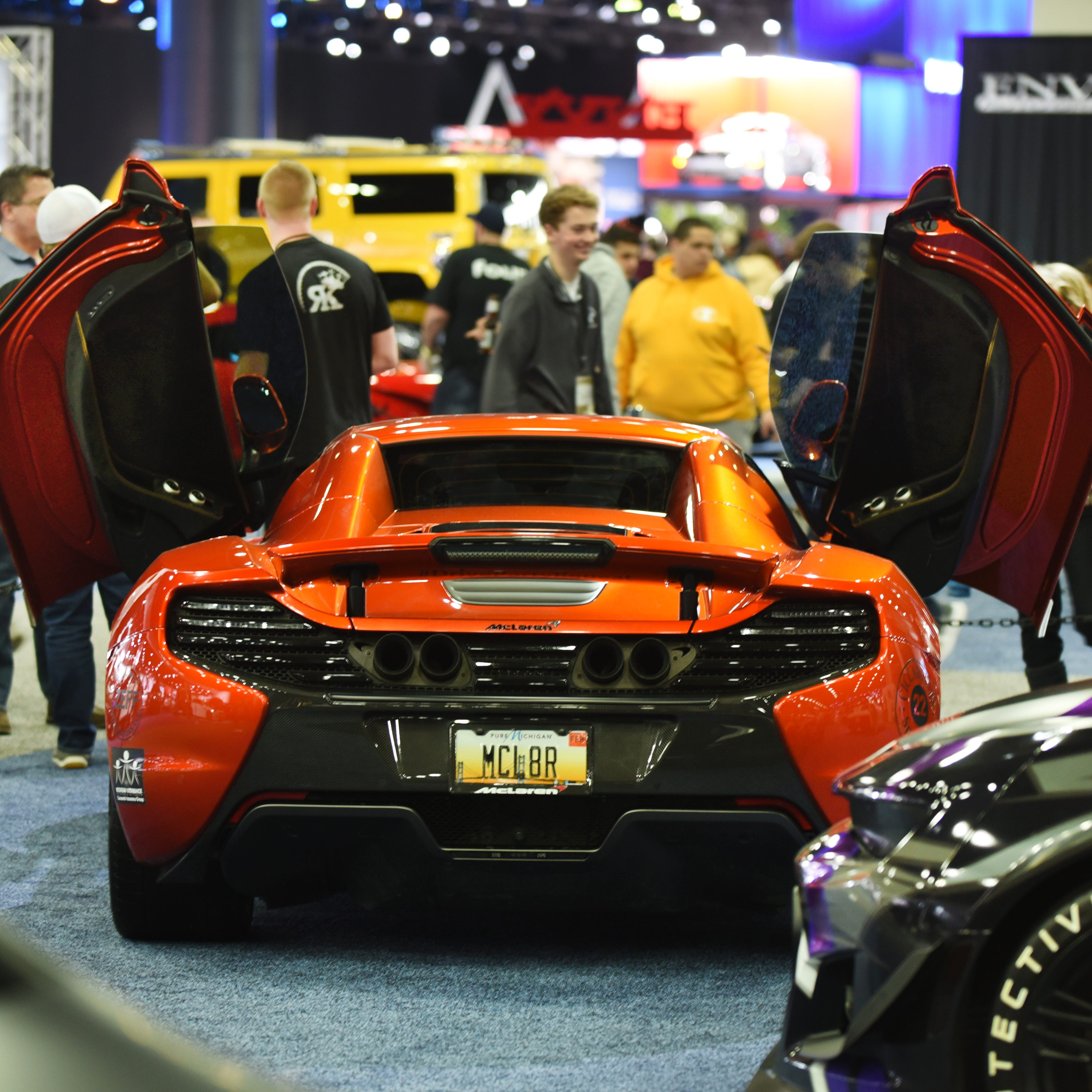 Detroit auto show in high gear on first public day