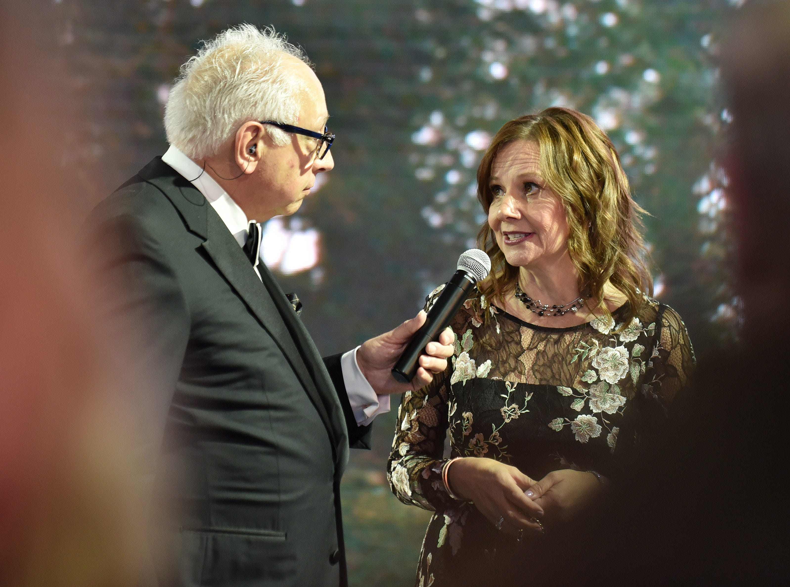 Radio talk show host Paul W. Smith of WJR interviews GM Chairwoman and CEO Mary Barra at the Charity Preview.