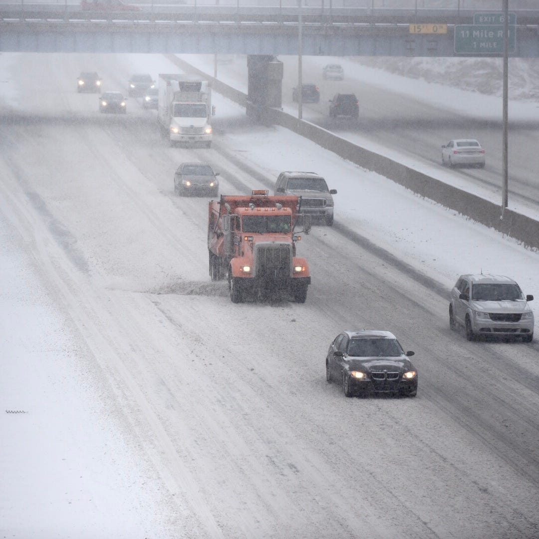 Wintry mix creates tough commute in Metro Detroit