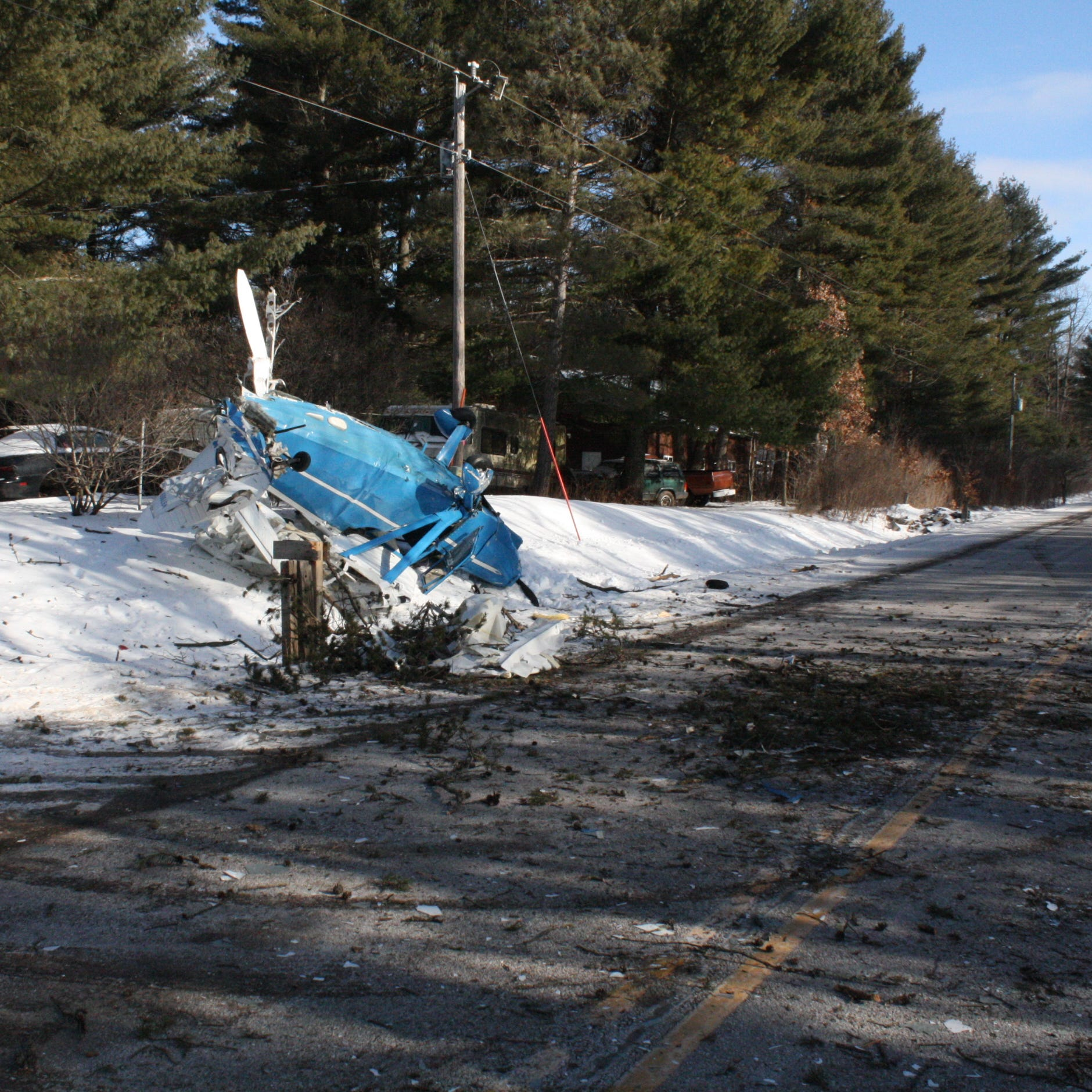 Pilot, all three passengers survive when small plane crashes in Menominee County
