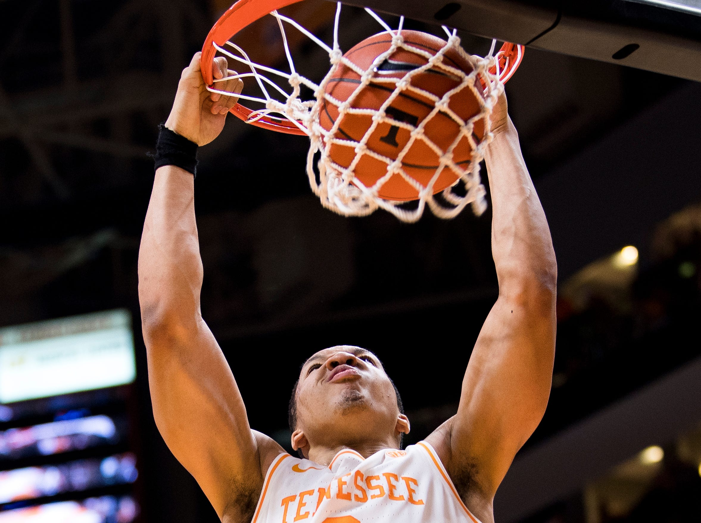 Tennessee forward Grant Williams (2) dunks the ball during the first half of Tennessee's home SEC conference game against Alabama at Thompson-Boling Arena in Knoxville on Saturday, January 19, 2019.