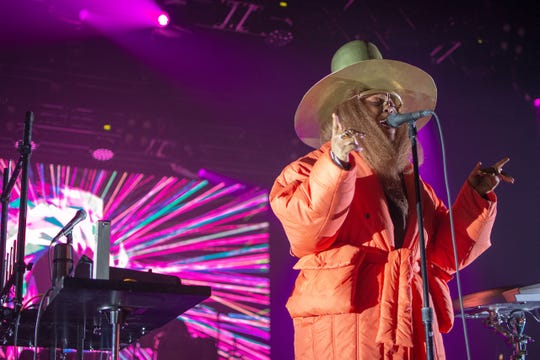 Erykah Badu performs at the Rave's Eagles Ballroom in Milwaukee on Jan. 18, 2019. It was her first Milwaukee concert in 14 years.