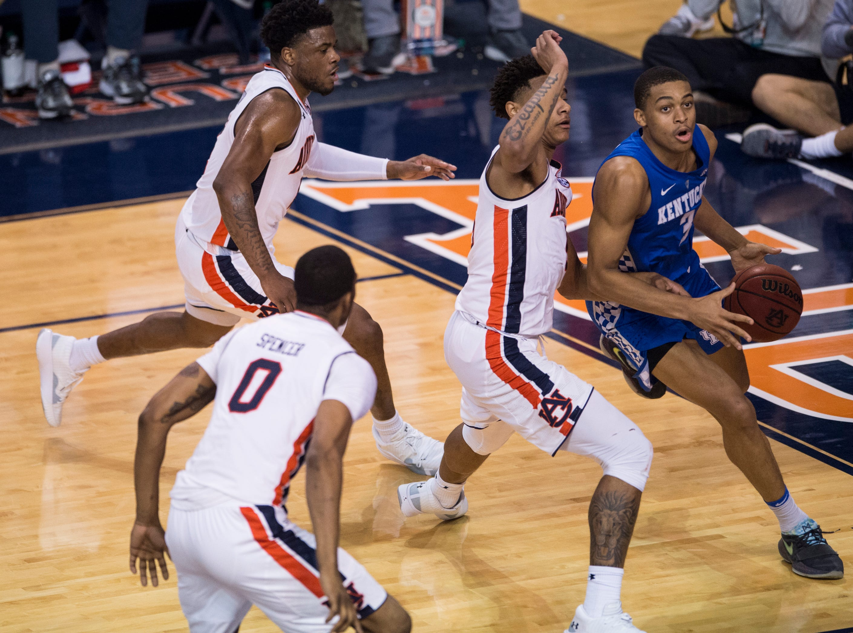 Kentucky guard Keldon Johnson (3) drives the baseline at Auburn Arena in Auburn, Ala., on Saturday, Jan. 19, 2019. Kentucky defeats Auburn 82-80.