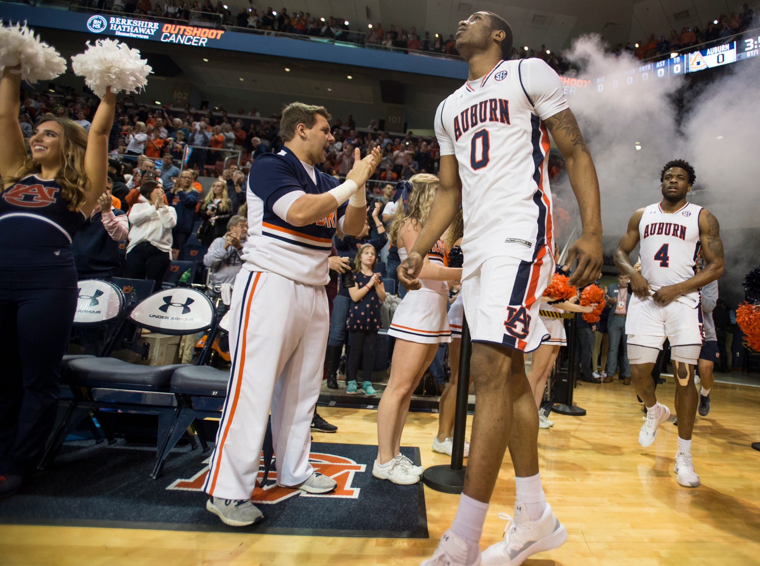 Auburn players take the court at Auburn Arena in Auburn, Ala., on Saturday, Jan. 19, 2019. Kentucky leads Auburn 35-27 at halftime.
