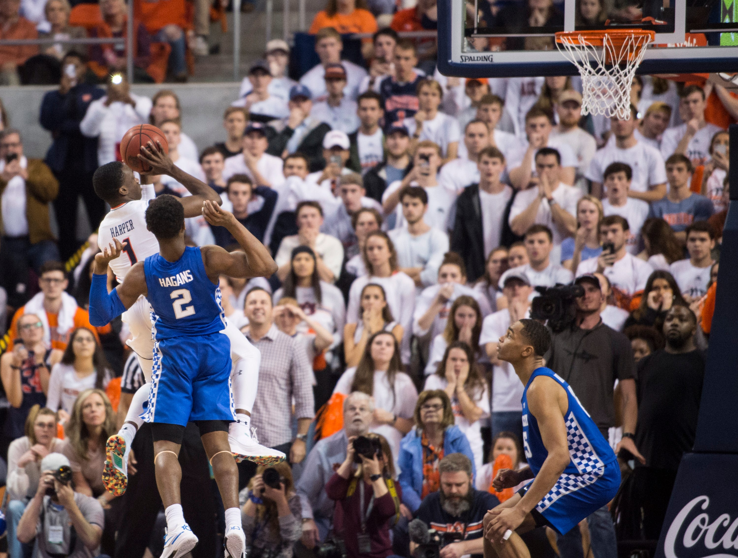 Auburn guard Jared Harper (1) misses a last chance shot in the final seconds of the game at Auburn Arena in Auburn, Ala., on Saturday, Jan. 19, 2019. Kentucky defeats Auburn 82-80.