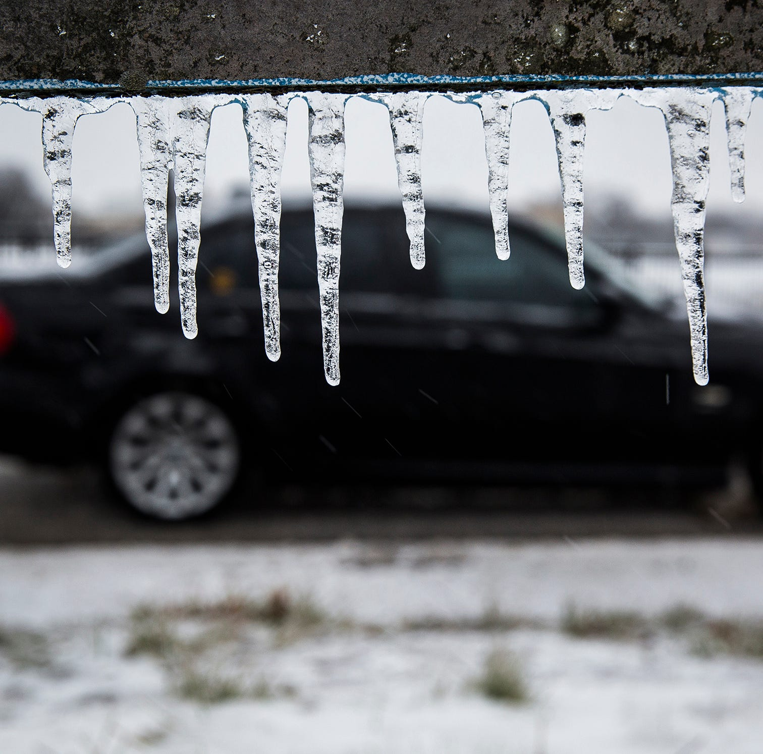 Wayne County issues travel advisory for freezing roads overnight