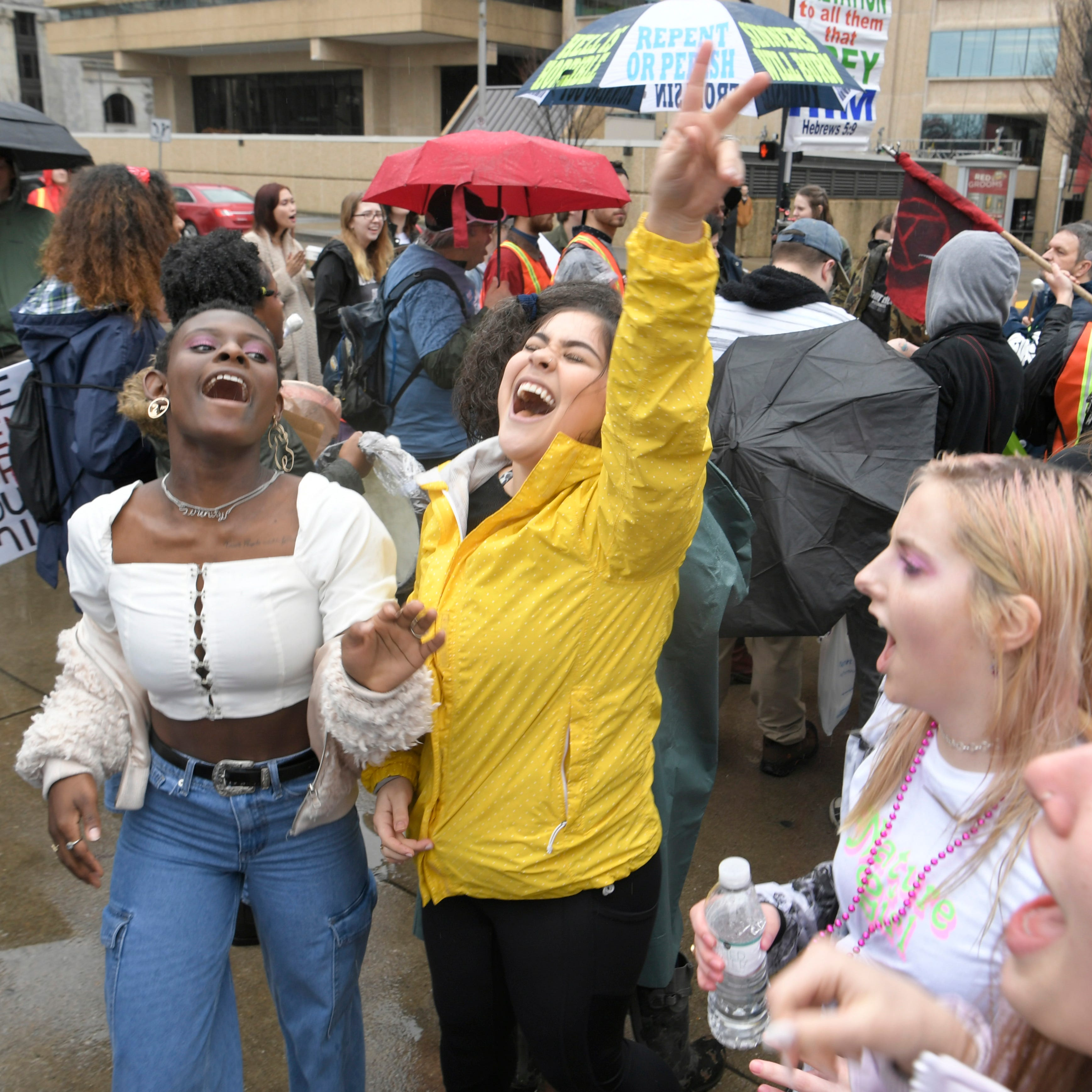 Hundreds participate in 2019 Women's Wave Rally in Nashville