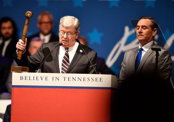 Lt. Gov. Randy McNally bangs the gavel as House Speaker Glen Casada looks on at the start of Bill Lee's inauguration Jan. 19, 2019.